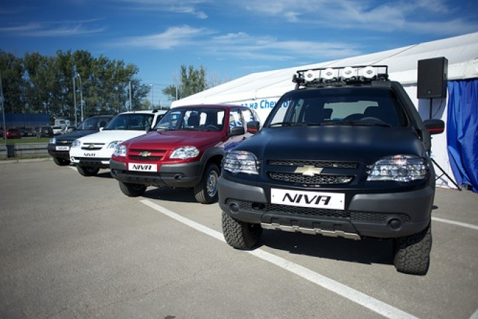 Chevrolet_Niva_row.jpg