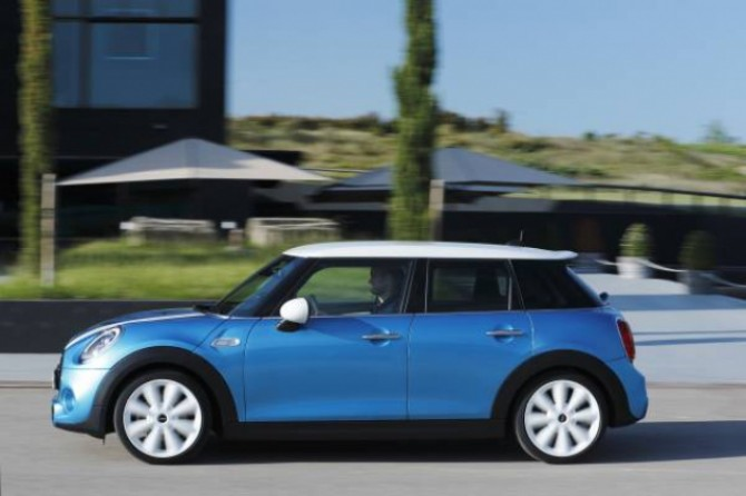 new-mini-5-door.jpg