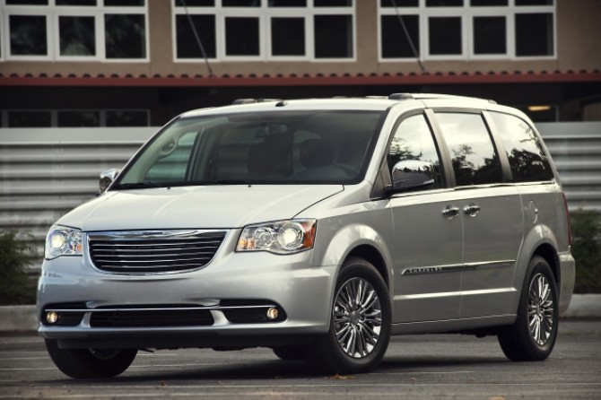 chrysler_towncountry.jpg