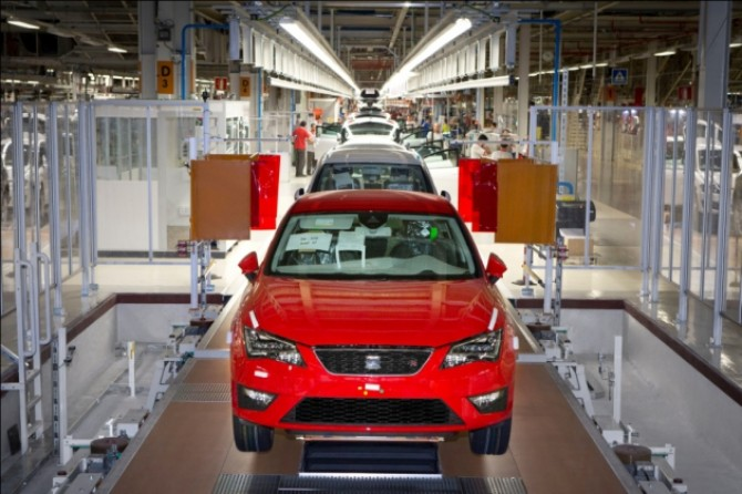 SEAT Leon expands production.JPG