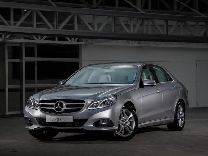 Названы самые известные подержанные автомобили премиум-класса в РФ