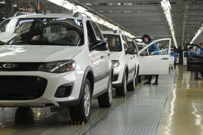 Ижевский автомобильный завод вернулся к обыкновенному режиму работы после корпоративного отпуска