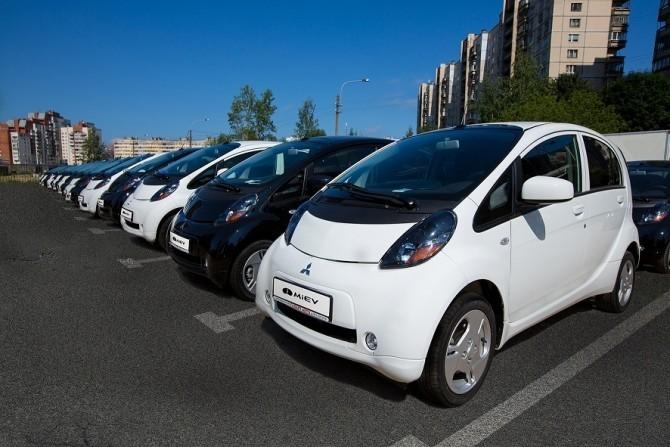 Специалисты из«АВТОСТАТ» посчитали электромобили в РФ