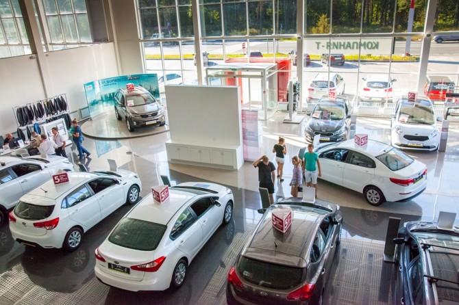 Падение продаж новых авто осенью составило 11%