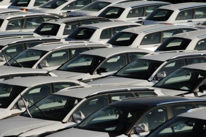 Москва иПодмосковье продолжают удерживать лидерство попродажам новых машин в Российской Федерации