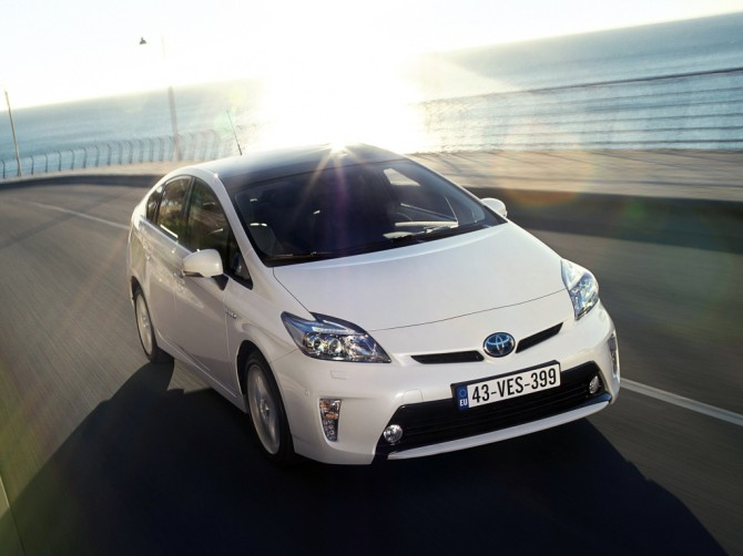 ВЯпонии продажи новых авто осенью увеличились на13