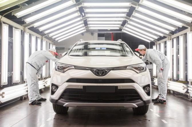 Русский завод Тойота перешел наработу вдве смены