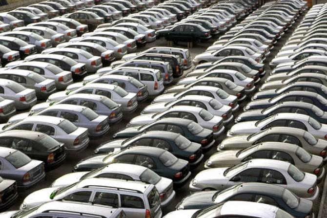 ВУкраинском государстве  втечении следующего года  реализовано  неменее  65 тыс.  новых легковых машин