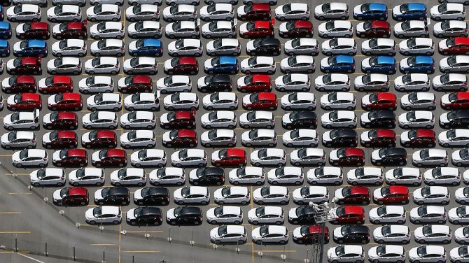 Китайский рынок автомобилей вначале года сократил свои объемы на1,1%