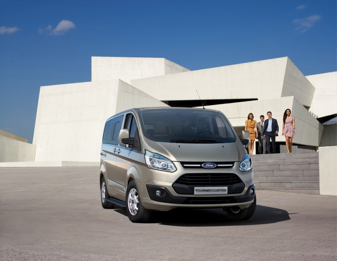 Ford Transit Custom иTourneo Custom доступны для заказа на российском рынке