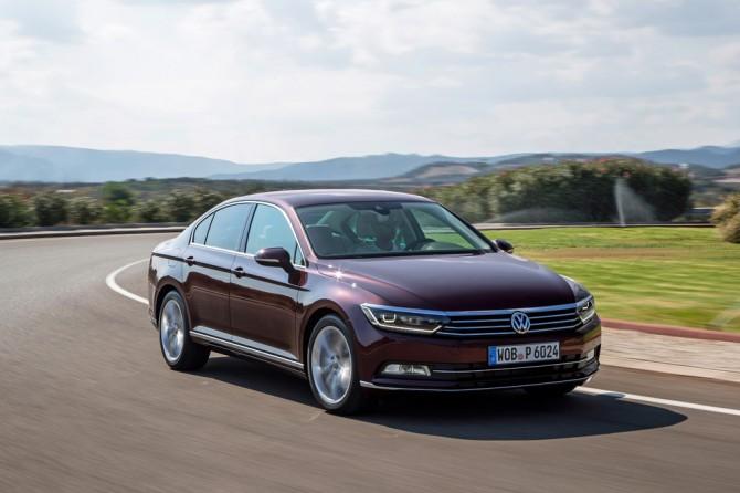 Компания VW специально для РФ удешевила модель Passat
