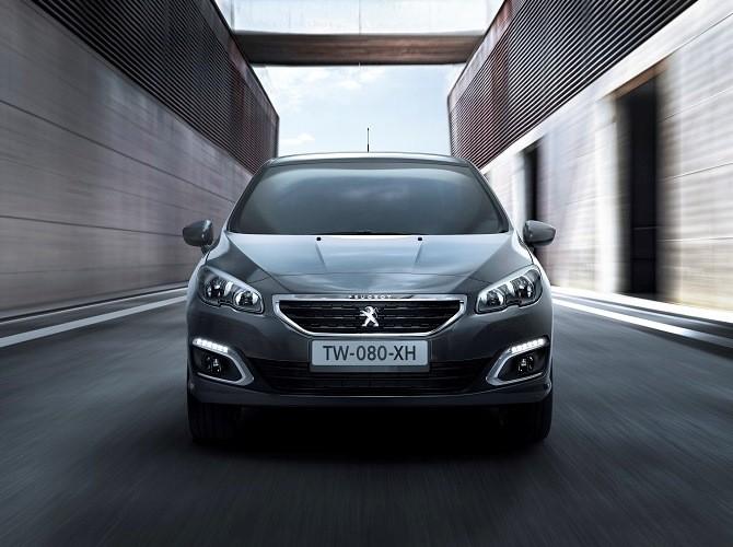 Peugeot представила новое поколение седана Peugeot 408