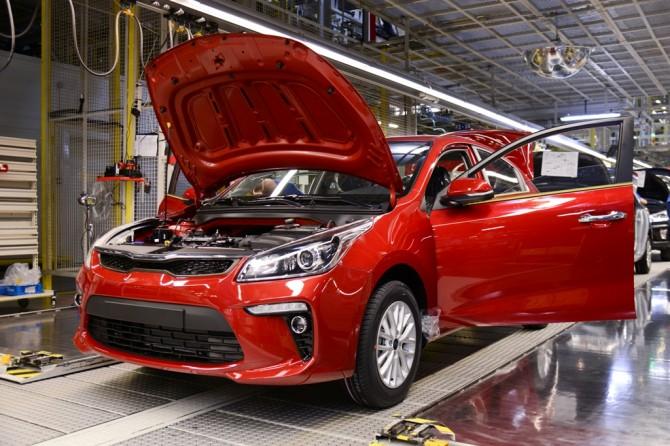 Выпуск легковых авто вРФ за7 мес вырос на20,5%