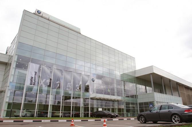 БМВ советует клиентам непокупать машины угруппы «Независимость»