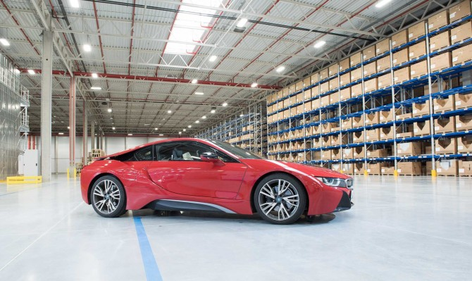 BMW открывает крупнейший склад в Подмосковье