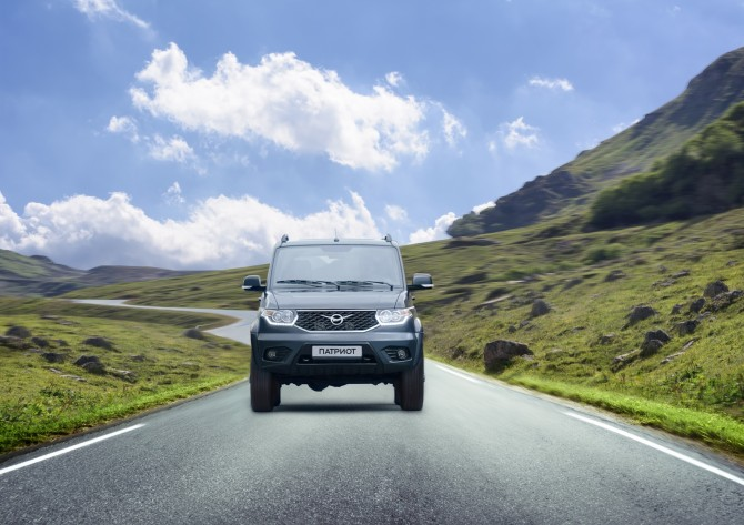ВТОП-10 самых известных SUV вначале осени вошел вседорожный автомобиль УАЗ «Патриот»