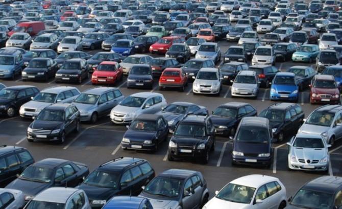 Специалисты назвали среднюю цену автомобиля спробегом в Российской Федерации