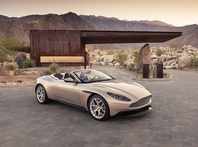 Продажи нового кабриолета Aston Martin DB11 Volante начнутся весной 2018 года