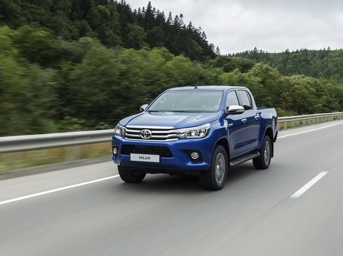 Представители Тоёта резко подняли цены напикап Тойота Hilux в РФ