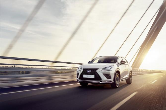 Обновленный Lexus NX поступил в продажу в России
