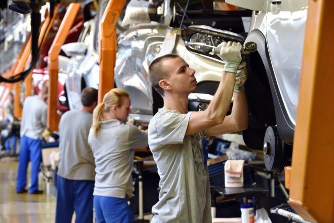 Волжский автомобильный завод впервый раз занесколько последних лет начал приём персонала