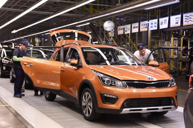 Осенью выпуск легковых авто вырос на36,5%