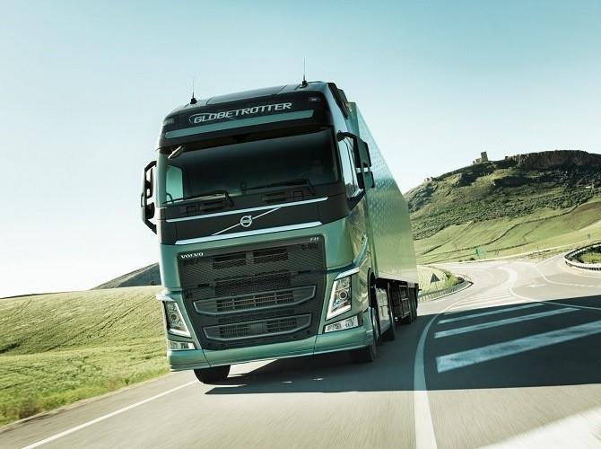 Volvo FH второй месяц подряд лидирует на рынке грузовиков в России