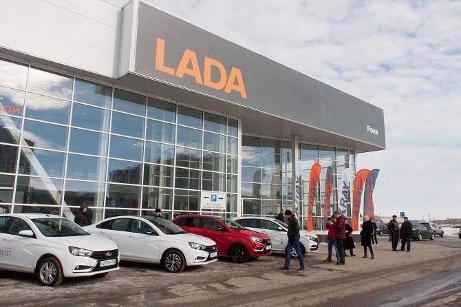 Россияне потратили на новые автомобили более 1,5 трлн рублей