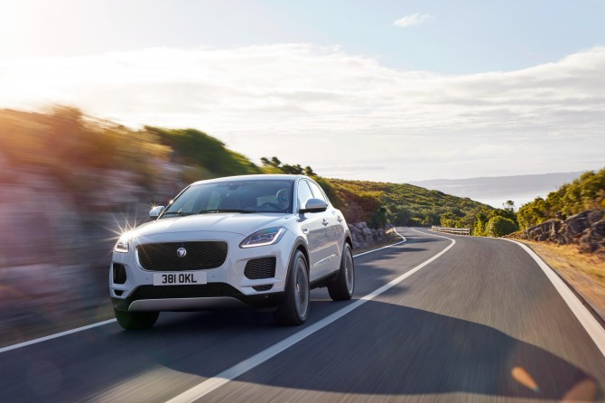 В Jaguar Land Rover рассказали о новинках для России в 2018 году