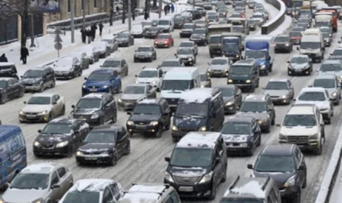 За10 лет автомобильный парк РФ вырос наполовину
