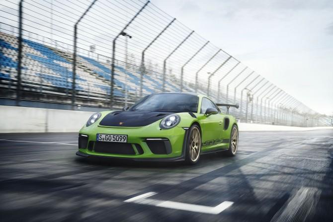 В РФ  начали принимать заказы нановый Порше  911 GT3 RS