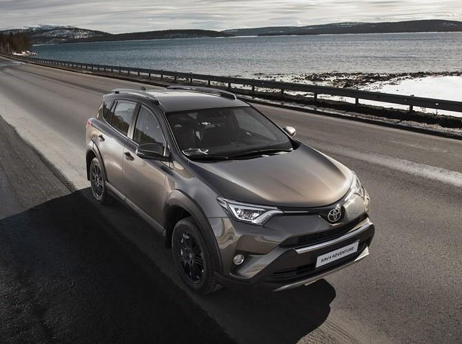 Toyota RAV4 в феврале вернул себе титул лидера рынка на Дальнем Востоке