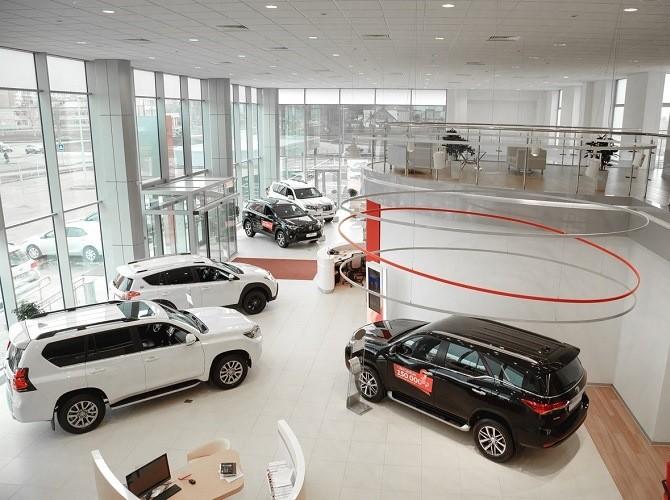 Жители России напокупку новых авто потратили 498 млрд руб.