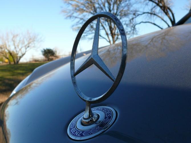 Mercedes отзывает в Российской Федерации неменее 350 авто