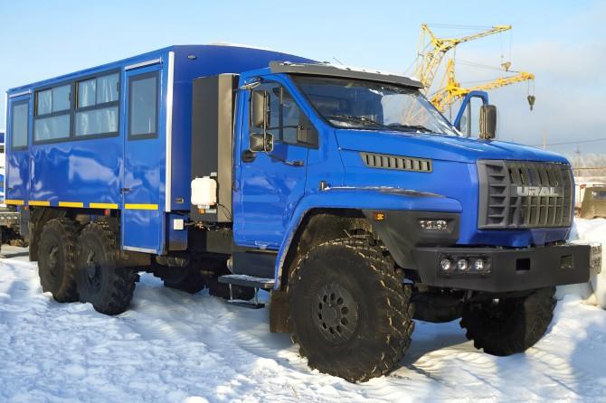 Вахтовый автобус Урал NEXT с газовым двигателем