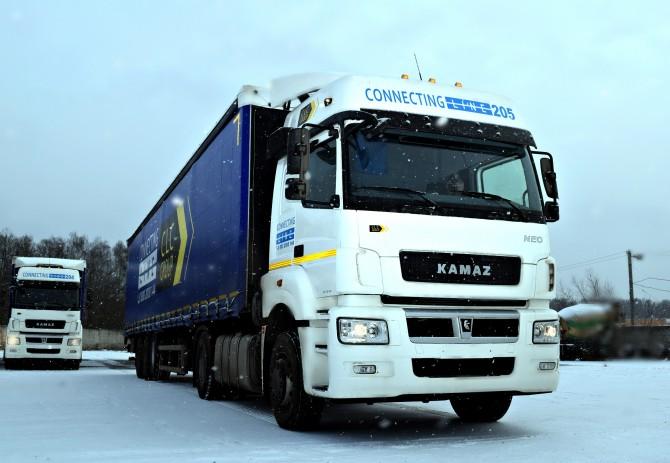 КАМАЗ поставил в лизинг партию тягачей для нового московского партнера