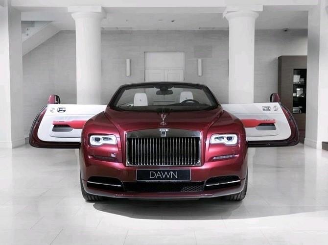 Продажи новых люксовых автомобилей в РФ растут третий месяц подряд