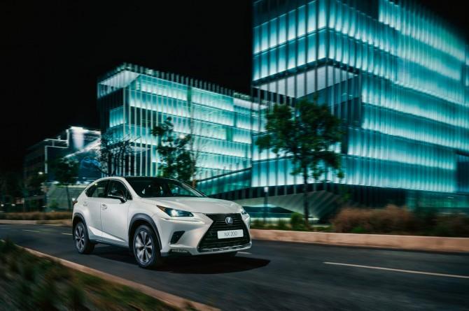 Lexus представил в России новую спецверсию кроссовера NX Black Vision