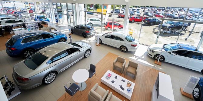 «Зарплаты не скачут вслед за евро». Что будет с ценами на автомобили (AutoNews.Ru)