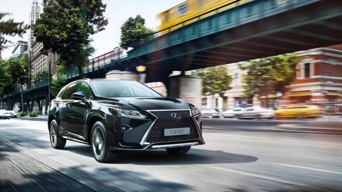 Lexus в 2018 году установил рекорд продаж в России