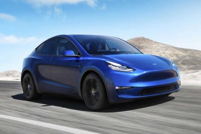 В России начался прием заказов на Tesla Model Y