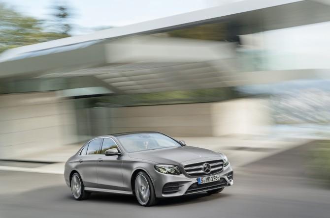 Mercedes-Benz отзывает автомобили в России