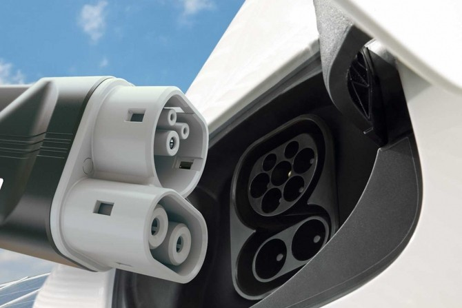 Мировые автопроизводители наращивают инвестиции в производство электромобилей («Финмаркет»)