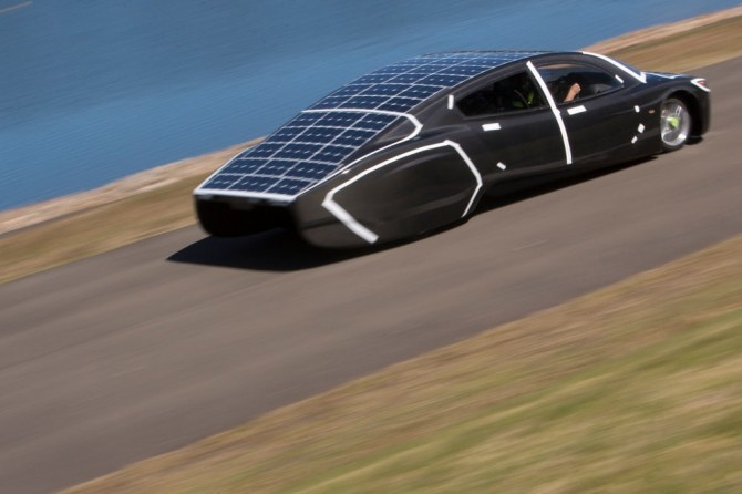 sunswift-violet-solar-electric-sedan-7