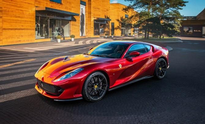 Почему россияне покупают Lamborghini в 5 раз больше, чем Ferrari?