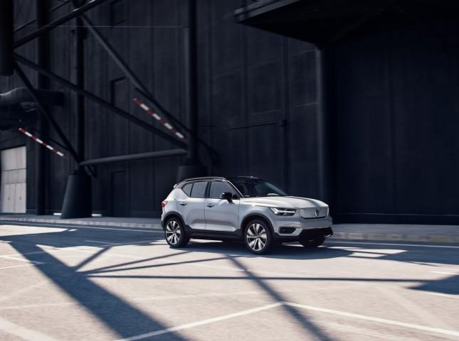 Volvo представила первый электрический кроссовер Volvo XC40 Recharge