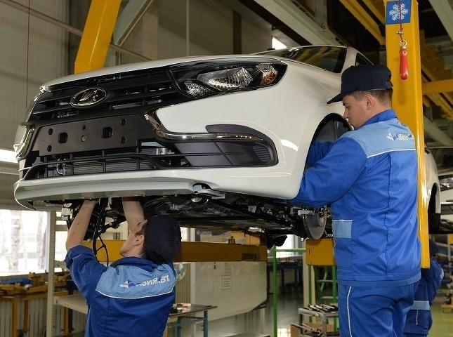 Казахстанский автопром в июле вырос почти на четверть