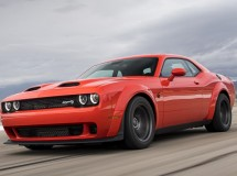 Dodge ограничил тираж Challenger Super Stock