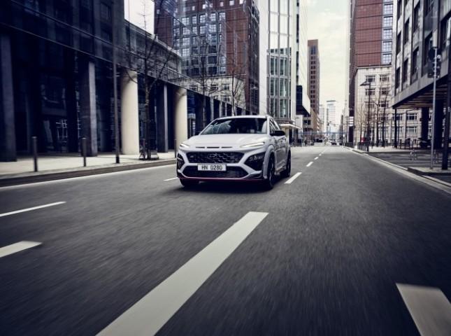 Hyundai представила первый «заряженный» кроссовер Kona N