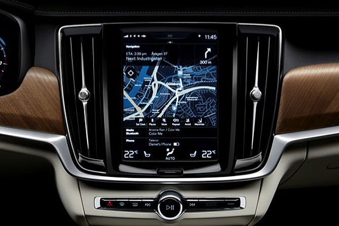 170102_Interior_centre_display_and_air_blades_Volvo_S90.jpg